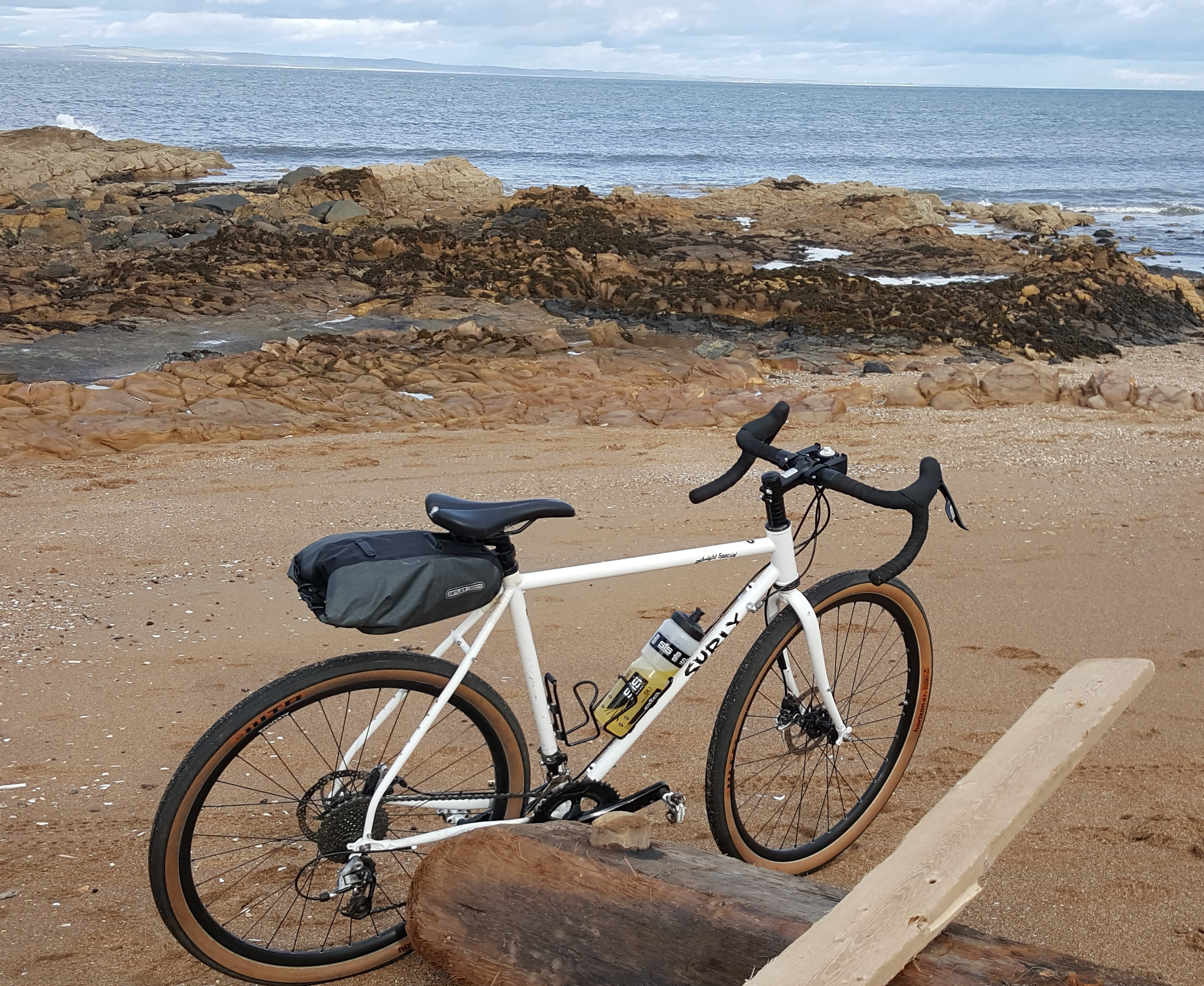 CYCLING ABERLADY BAY EAST LOTHIAN AND HAVING THE RIGHT BIKE
